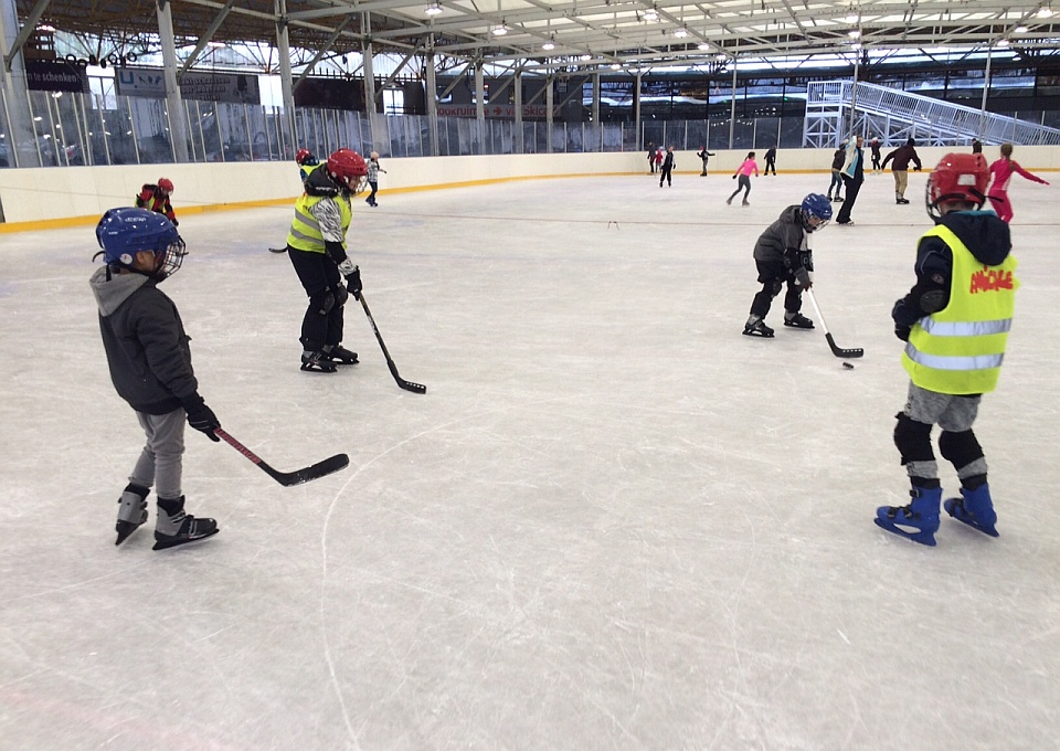 Workshop ijshockey Amforca Sports Group in de Uithof